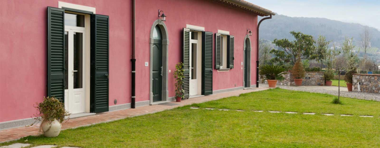 Colori per case esterne e colore per riuscire a vendere o - Colore esterno casa ...